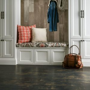 Antique Structure Laminate | Terry's Floor Fashions