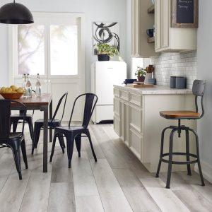 Dining Room Hardwood Floor | Terry's Floor Fashions