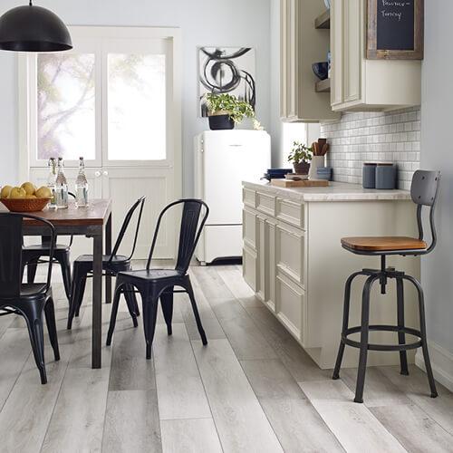 Farm House Kitchen | Terry's Floor Fashions